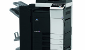 KM bizhub C308 včetně univerzální kazety PC-210 a sešívacího finišeru FS-534